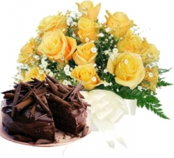 Love Byte 12 Roses Chocolate Cake
