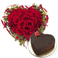 Heart Shape Chocolate Cake with 30 Roses
