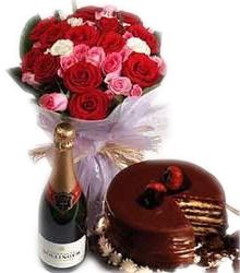 Wine Celebration 30 Roses & Cake