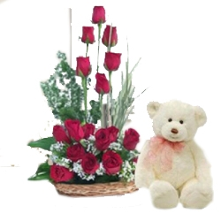 20 Red Rose With Cute Teddy