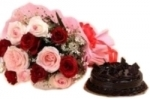 Delicious Cake N Roses