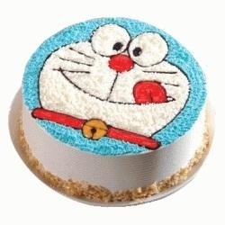 A DORAEMON FACE CAKE