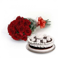 Floral Fantasia 12 Roses 1/2kg Chocolate Cake
